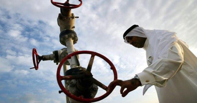 Petrol, Suudi Arabistan ile geriliyor