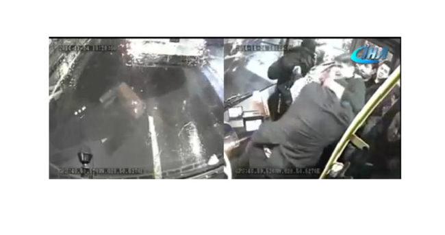 Otobüs şoförüne beyzbol sopasıyla saldırdılar
