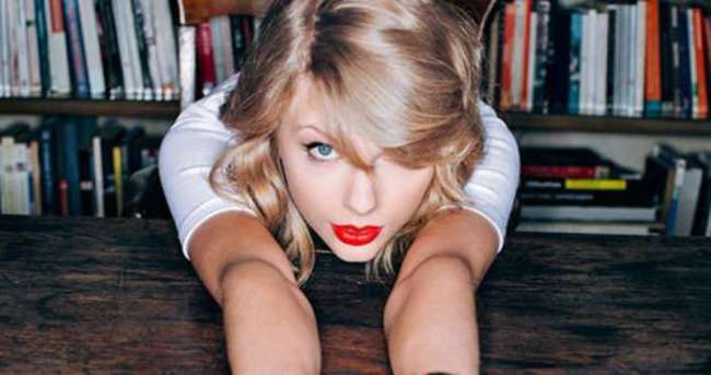 Taylor Swift 2 porno sitesi aldı