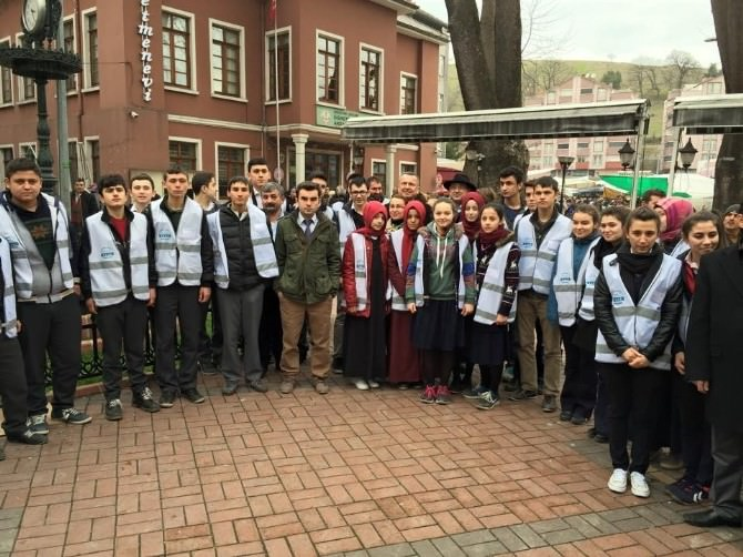 Yaşlılara Saygı Haftası'nda Poşet Taşıma Etkinliği Yapıldı