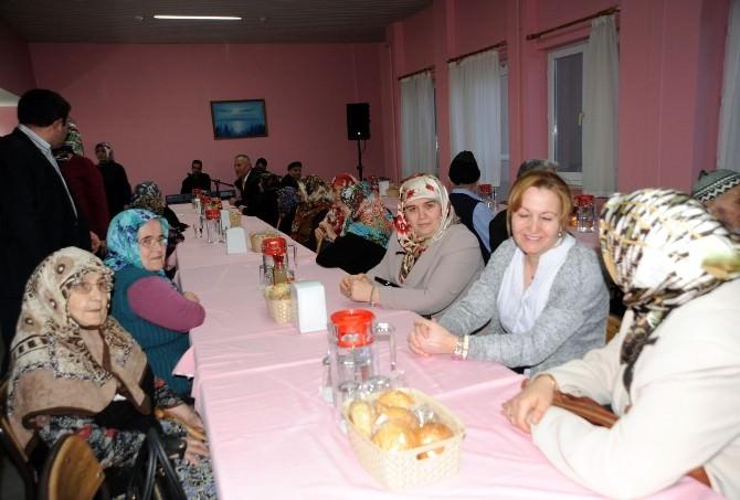 Bilecik Protokol Üyelerinden Yaşlılara Ziyaret