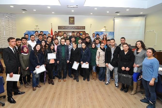Genç Girişimciler Eğitimden Geçti