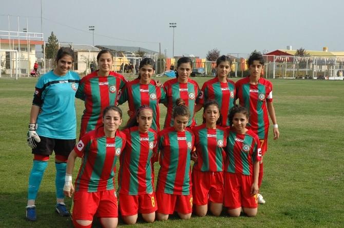 Diyarbakır Büyükşehir Belediyesi Kadın Futbol Takımı Fark Attı