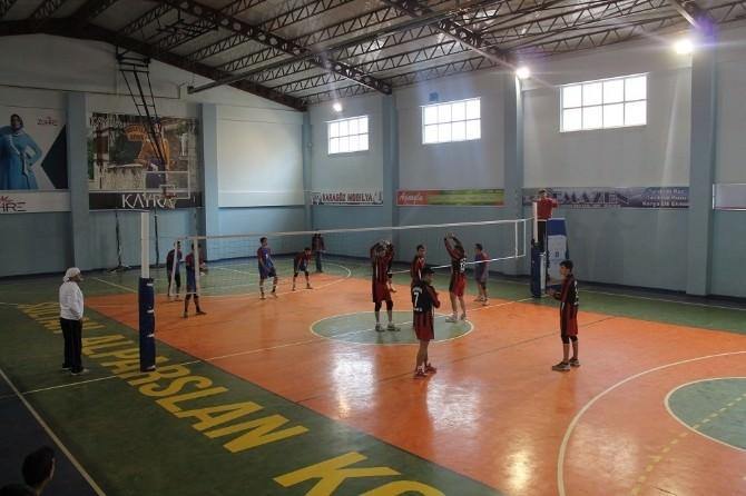 Karsiad Akademi Voleybol Turnuvası Devam Ediyor