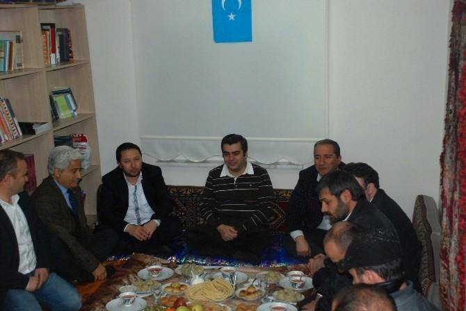 Doğu Türkistanlılar Nevruz'u Coşkuyla Kutladı