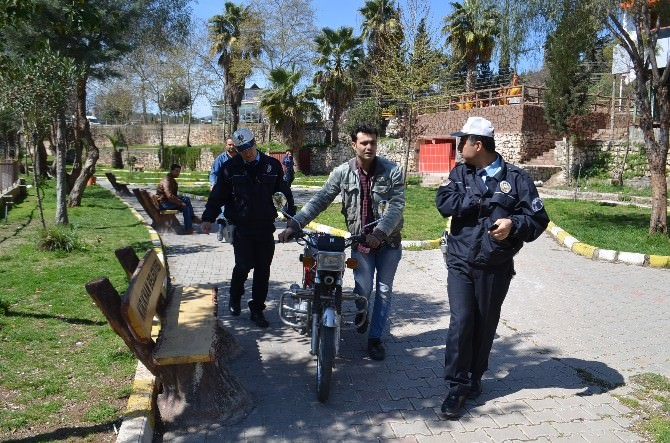 Kırıkhan'da Motosiklet Denetimleri Arttı