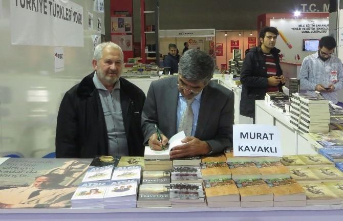 Murat Kavaklı'nın Kitabına Büyük İlgi
