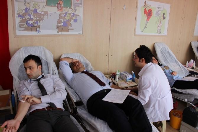 Eğitimcilerden Kan Bağışı