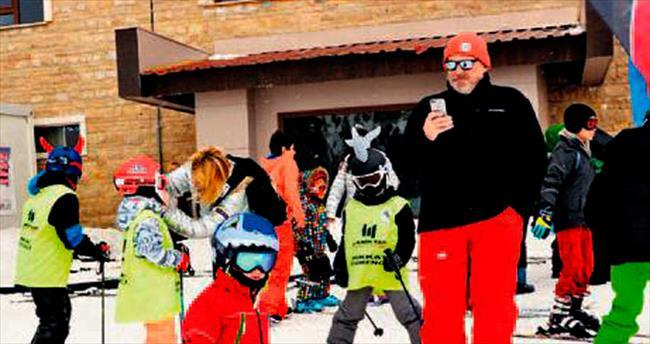Baba-oğul kar safarisinde