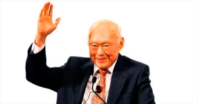 Singapur'da 'kurucu baba'ya veda