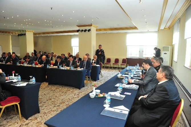 Vali Şahin, Seçim Güvenliği Zirvesinde Kaymakamlarla Bir Araya Geldi