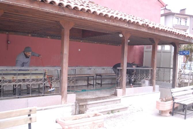 Bolvadin'de Camilerin Çevre Temizliği Belediye Tarafından Yapılacak