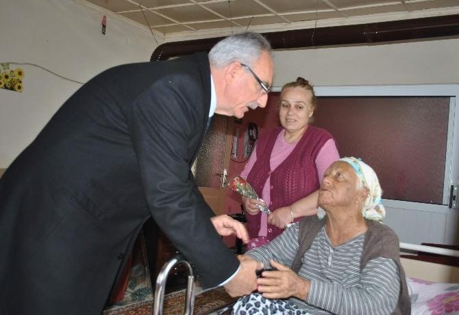 Başkan Kale, İlçesindeki Yaşlıları Ziyaret Edip Gönüllerini Aldı