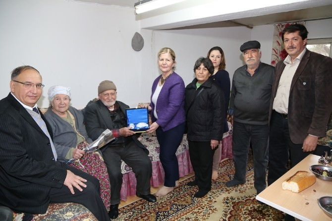 Efeler Belediyesi Yaşlıları Unutmadı