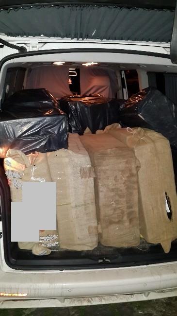 Polis 32 Bin 600 Paket Kaçak Sigara Ele Geçirdi