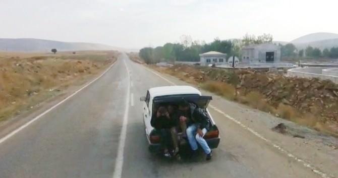 (Özel Haber) Otomobil Bagajında Tehlikeli Yolculuk