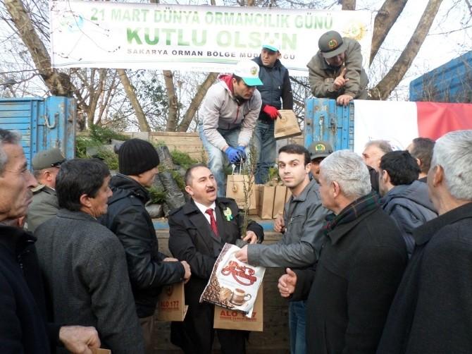 Vatandaşlara Ücretsiz 5 Bin Adet Fidan Dağıtıldı