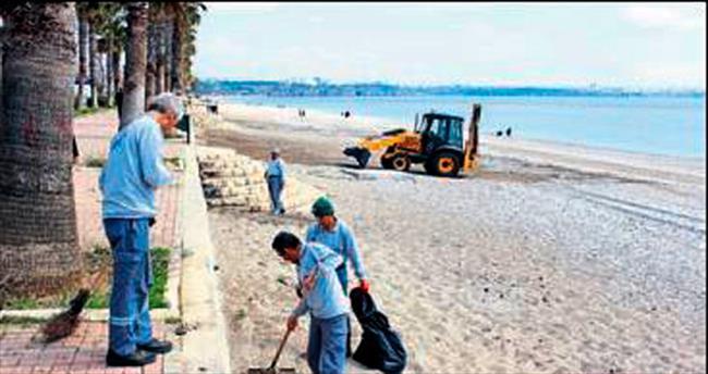 Konyaaltı sahilinde yeni sezon hazırlığı
