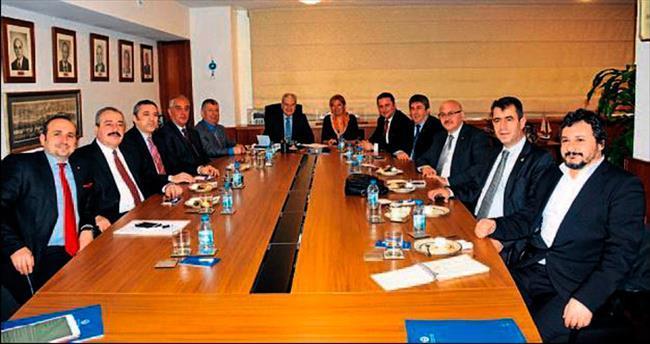 İzmir'in sözcüsü Adnan Saka olacak