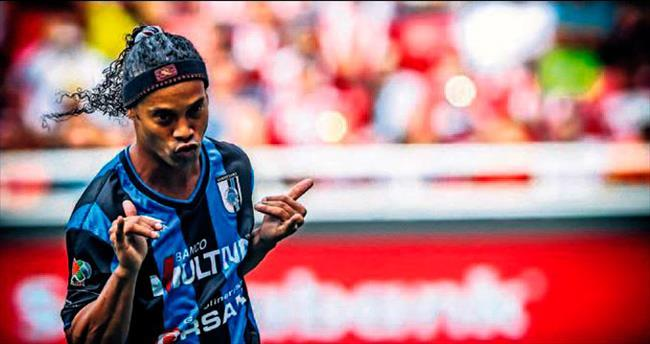 Nisan'da gel Ronaldinho