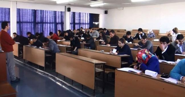 AÖF sınav takvimine seçim düzenlemesi yapıldı