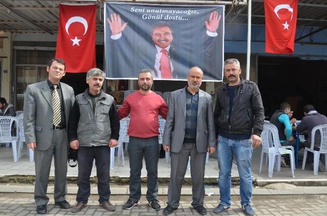 Akhisarlı Sanayi Esnafı Muhsin Yazıcıoğlu'nu Andı