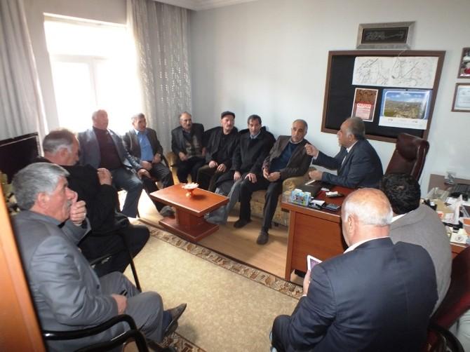 Kandaşoğlu'ndan Tuşba Muhtarlar Derneği'ne Ziyaret