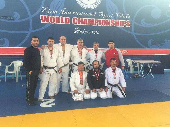 Adanalı Judocular Madalyalarla Döndü