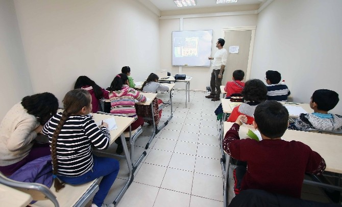 Bayraklı'da Çocuklara İngilizce Kursu