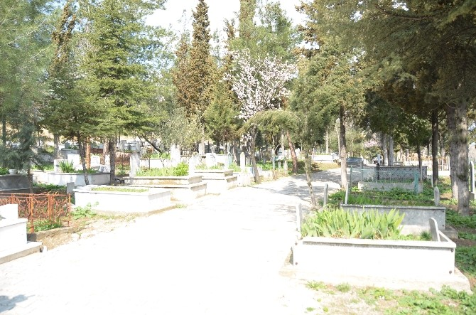 Mezarlıklar Müdürlüğünde Çalışan İşçiler İçin Ek Hizmet Binası Yapıldı