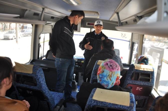 Sivil Polisler Yolcu Otobüslerini Denetledi