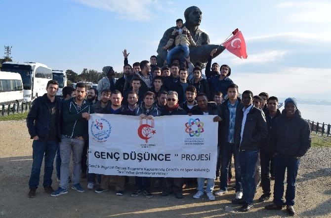 """""""Genç Düşünce"""" Projesiyle Gençler Çanakkale 'De Ecdadıyla Buluştu"""