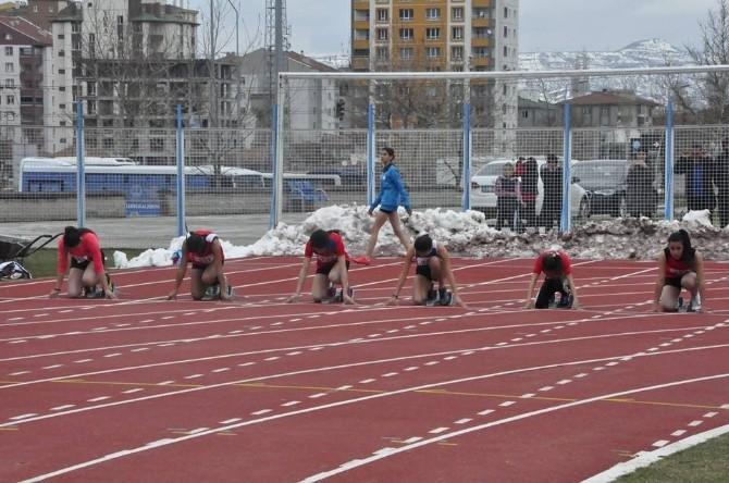 Analig Atletizm Yarı Final Müsabakaları Başladı