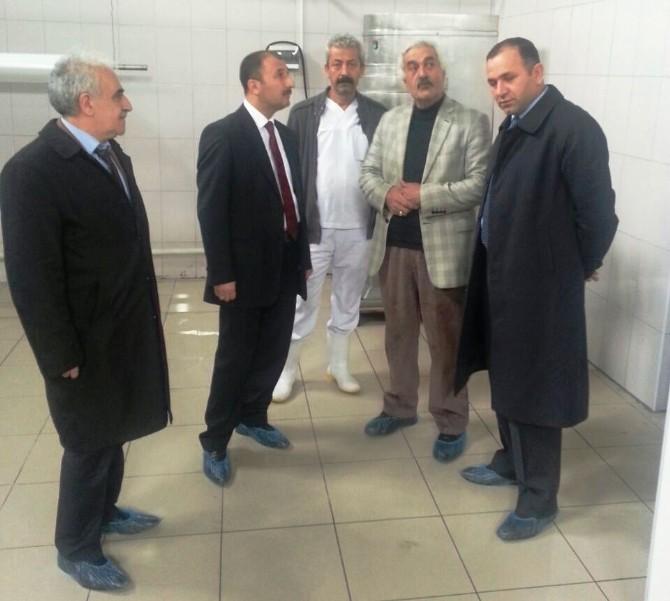 Müdür Çolakoğlu'ndan Süt Üretim Tesisine Ziyaret
