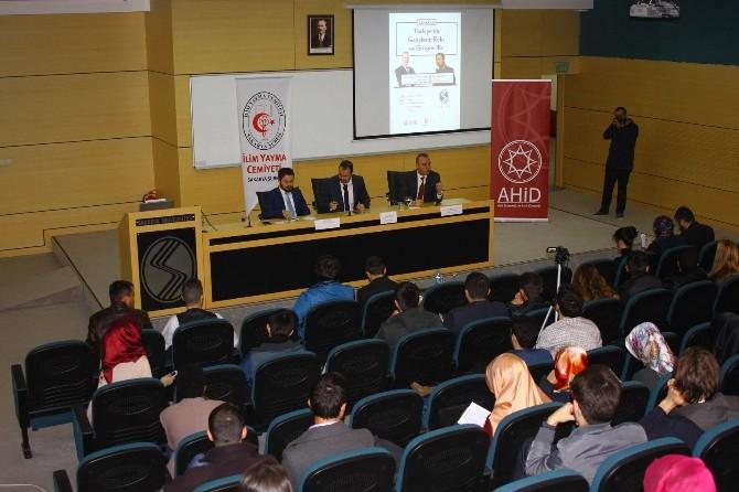 SAÜ'de 'Türkiye'de Gençlerin Rolü Ve Girişimcilik' Paneli