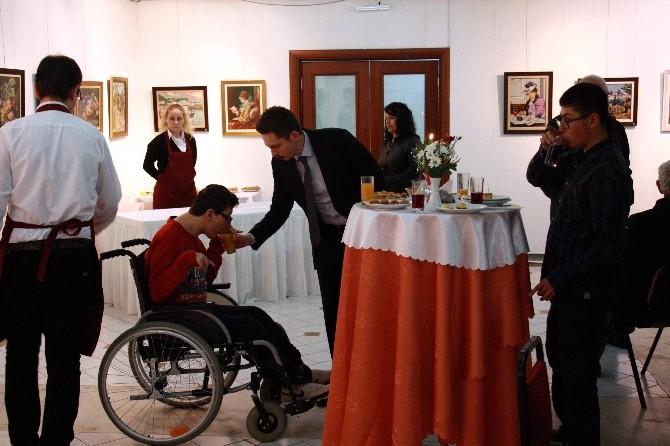 Engelli Çocuklar Hayallerini Çizdi