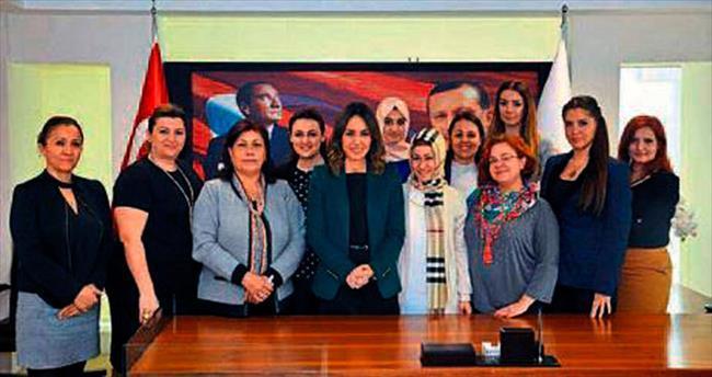 AK Kadınlar'dan ilçelere harekat