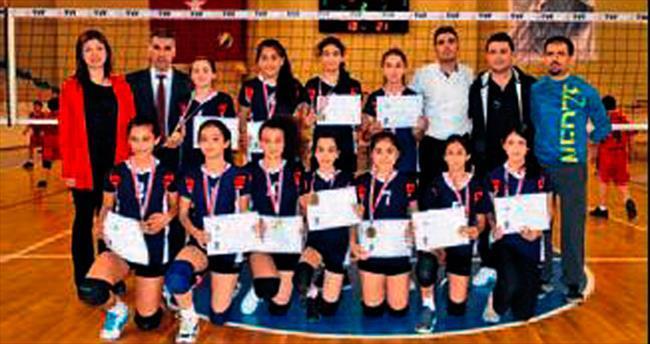 Adana okulları şampiyon oldu