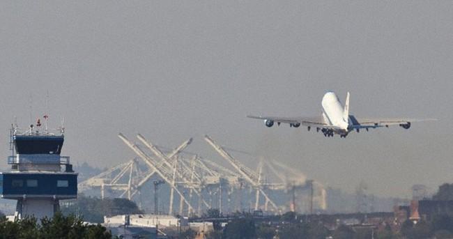 Uçakları yine tehlikeye attılar!