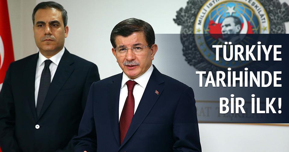 Davutoğlu'ndan Çankaya Köşkü'nde ilk resmi kabul