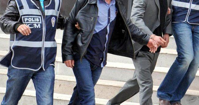 'Yasa dışı dinleme' operasyonunda 5 polis tutuklandı