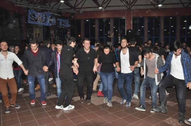 500 Öğrenci SAÜ'de Doyasıya Eğlendi