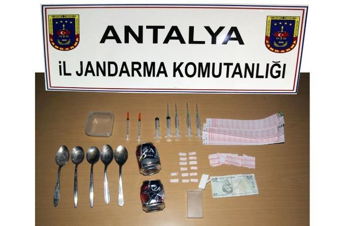 Jandarmadan Uyuşturucu Satışına Suçüstü