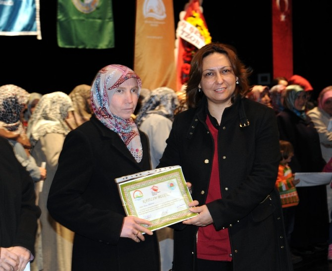 Bilecik'te Kadın Çiftçi Eğitimi Sertifika Töreni