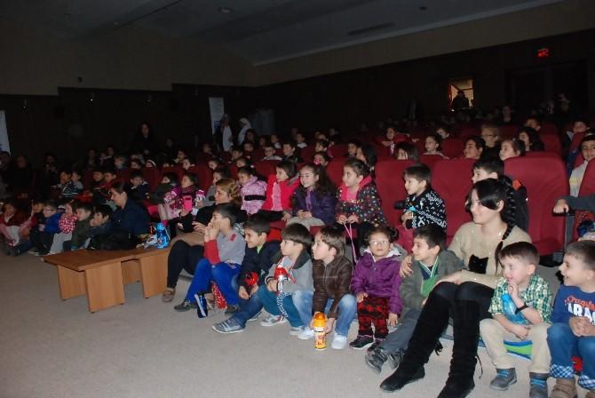 Dünya Tiyatrolar Haftası Didim'de Çocuk Oyunuyla Başladı