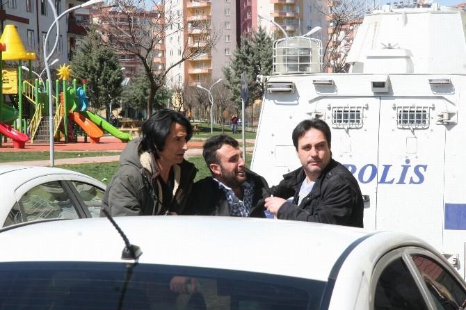 Diyarbakır'da Eşiyle Tartışan Adam İntihar Etmek İstedi