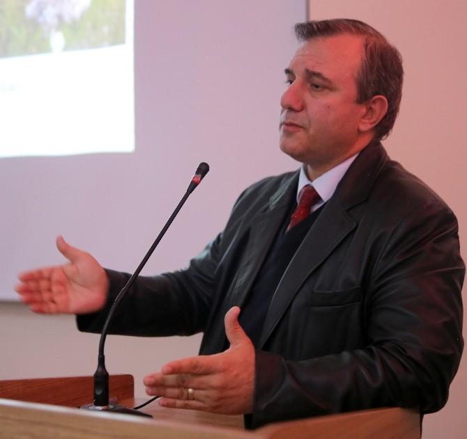 """Doç. Dr. Çelik """"Güneydoğu Anadolu Neolitiği""""ni Anlattı"""