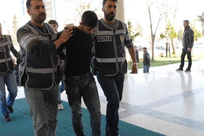 Şanlıurfa'da Hırsızlık Şüphelileri Yakalandı