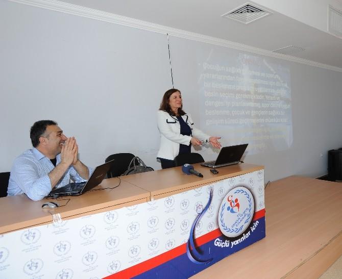 Trabzon'da Sporcu Psikolojisi Ve Beslenme Semineri