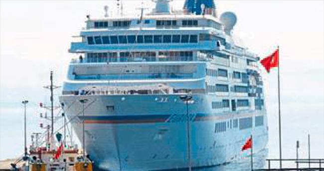 Sezonun ilk gemisi Alanya'ya geldi